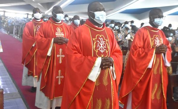 Confirmation 2021  des Jeunes du Diocèse d'Abidjan