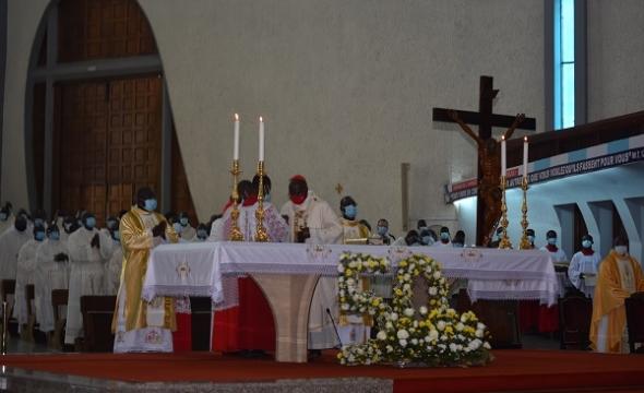 Le Cardinal Jean Pierre KUTWA a célébré ses 50 ans de vie sacerdotale en la cathédrale Saint Paul d'Abidjan.